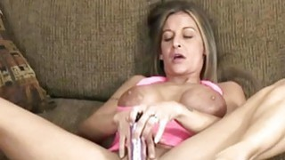 Leeanna Heart does her mature twat with a toy Thumbnail