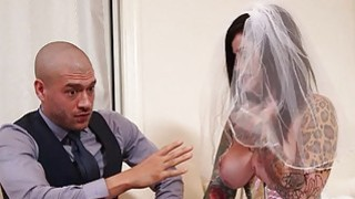Busty emo in wedding dress deeply banged Thumbnail